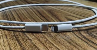 Неубиваемый Lightning-кабель для iPhone 12 показали на фото
