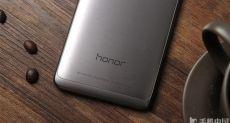 Huawei Honor 8 с беспроводной зарядкой выйдет в этом году