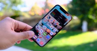 Apple придется ответить перед Samsung за плохой спрос на iPhone 12 mini