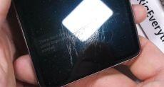 Царапали, жги и гнули руками. Как с этим справился Samsung Galaxy S10