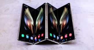 Пресс-изображение Samsung Galaxy W22: Galaxy Z Fold 3 прибавили внешнего пафоса