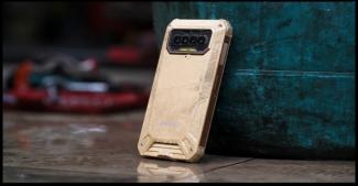 Стартап F150 выпустил B2021: неубиваемый мобильник для масс