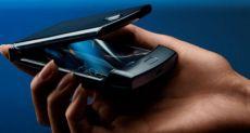 Motorola: складка на дисплее Razr не брак, а норма