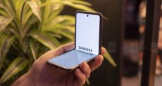 Samsung готовит к анонсу Galaxy Fold 2 с подэкранной камерой